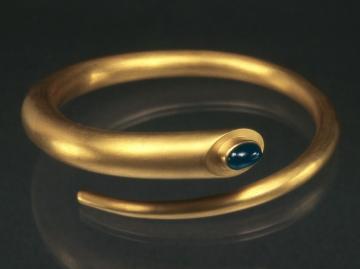 Around-Her-Bracelet